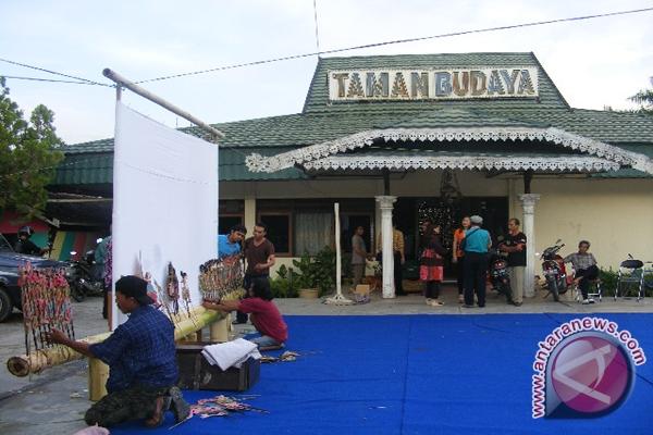 Taman Budaya Gelar Karnaval Antara News Kalimantan Selatan Kab Banjarmasin