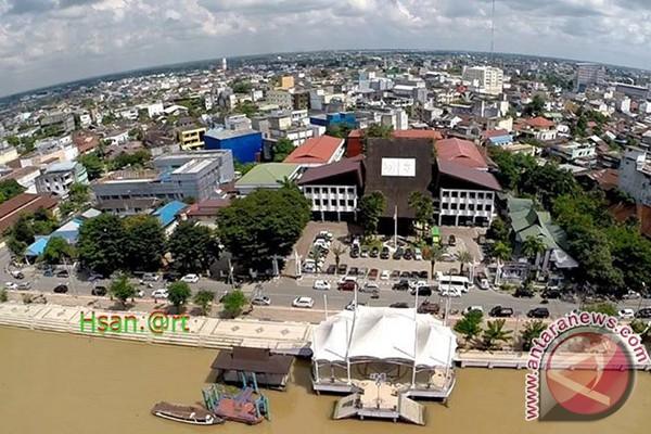 Banjarmasin Kota Tua Bersolek Antara News Kalimantan Selatan Taman Kamboja