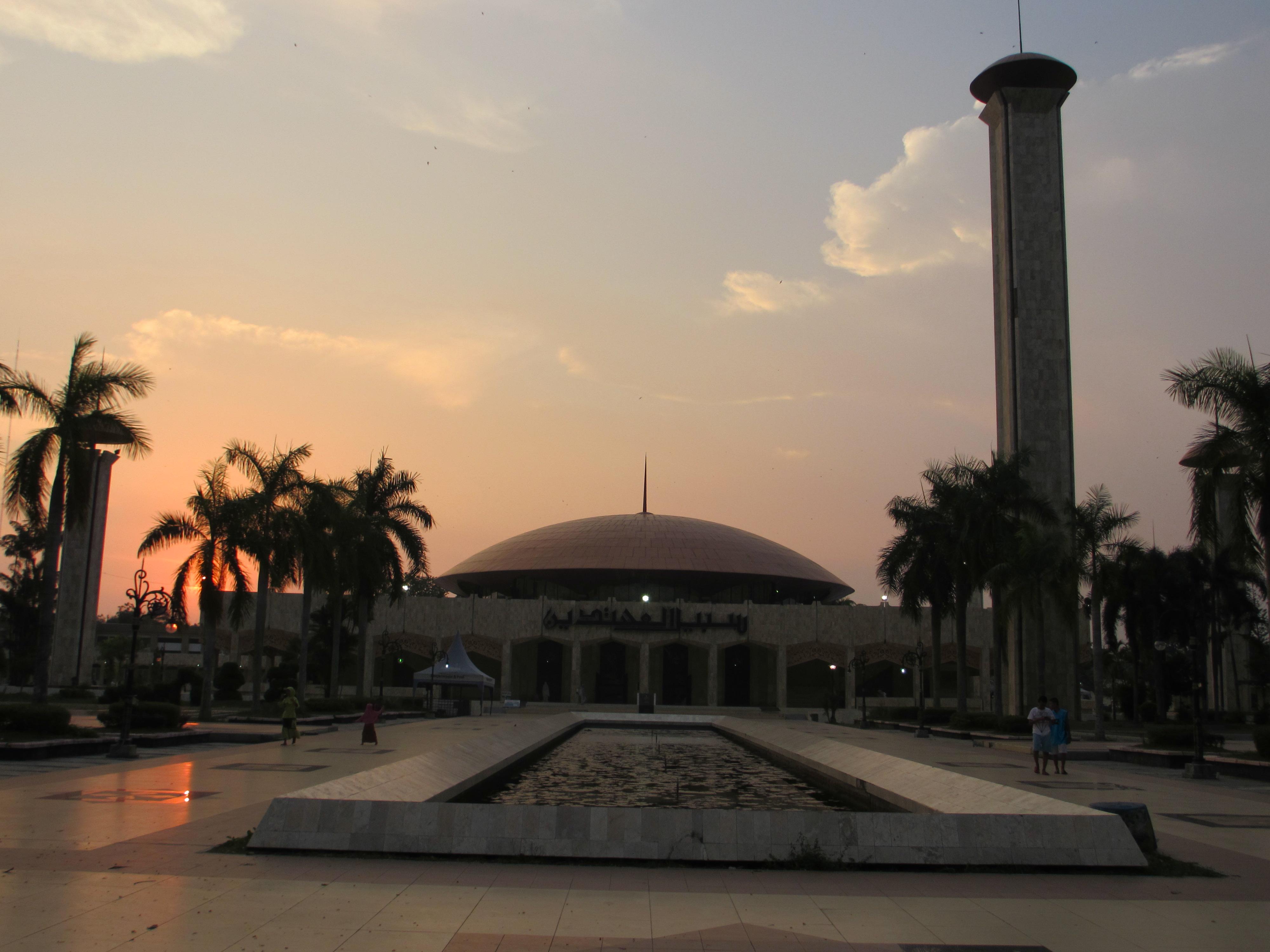Banjar Baksobentuklove Masjid Sabilal Muhtadin Taman Maskot Kab Banjarmasin