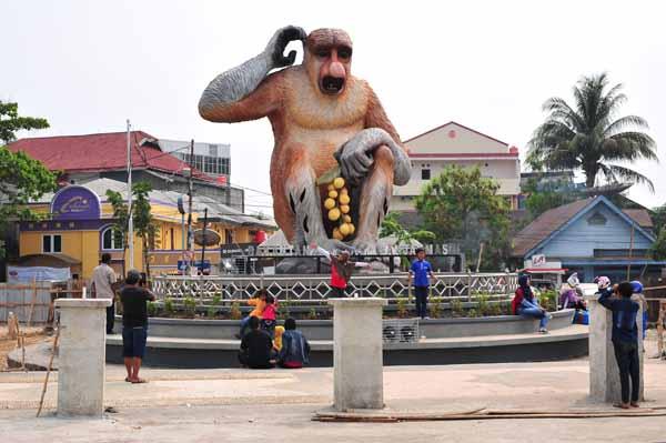 Instakalimantan Hanafi Tugu Kota Banjarmasin Taman Maskot Kab