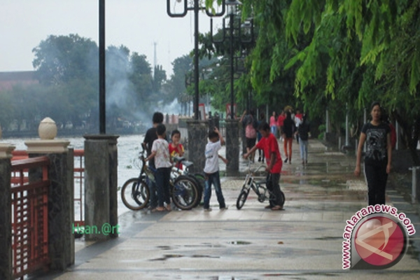 488 Kota Banjarmasin Menuju Metropolitan Antara News Taman Siring Sungai