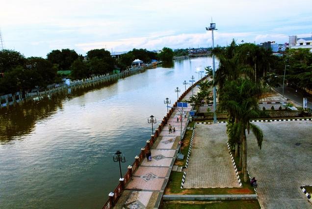 Basantai Taman Siring Sungai Martapura Banjarmasin Detik Sergai Tamansiringsungaimartapurabanjarmasin Kab