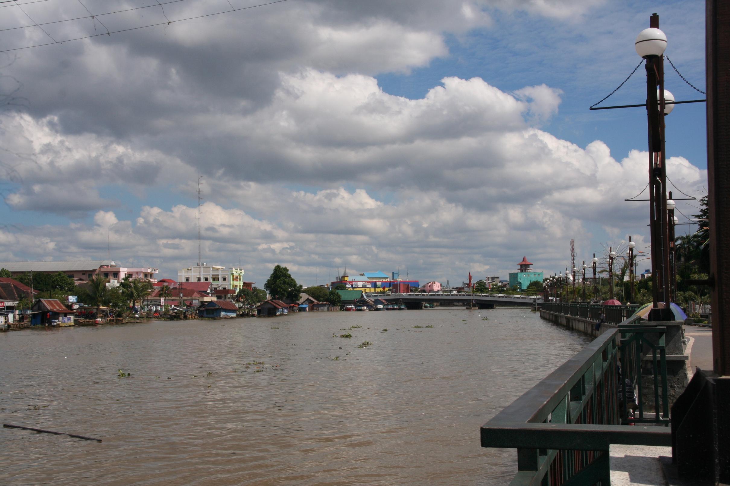 Galeri Foto Jelajah Kalimantan Taman Siring Sungai Martapura Kab Banjarmasin