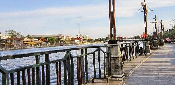 Info Hotel Murah Tempat Wisata Kuliner Indonesia Kalimantan Taman Siring