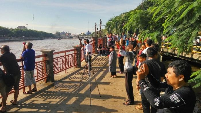 Menara Pandang Siring Sungai Martapura Jalan Piere Tendean 20160309 102257