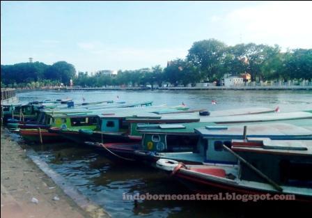 Mengenal Tempat Wisata Banjarmasin Kalimantan Selatan Seni Kelotok Siring Martapura