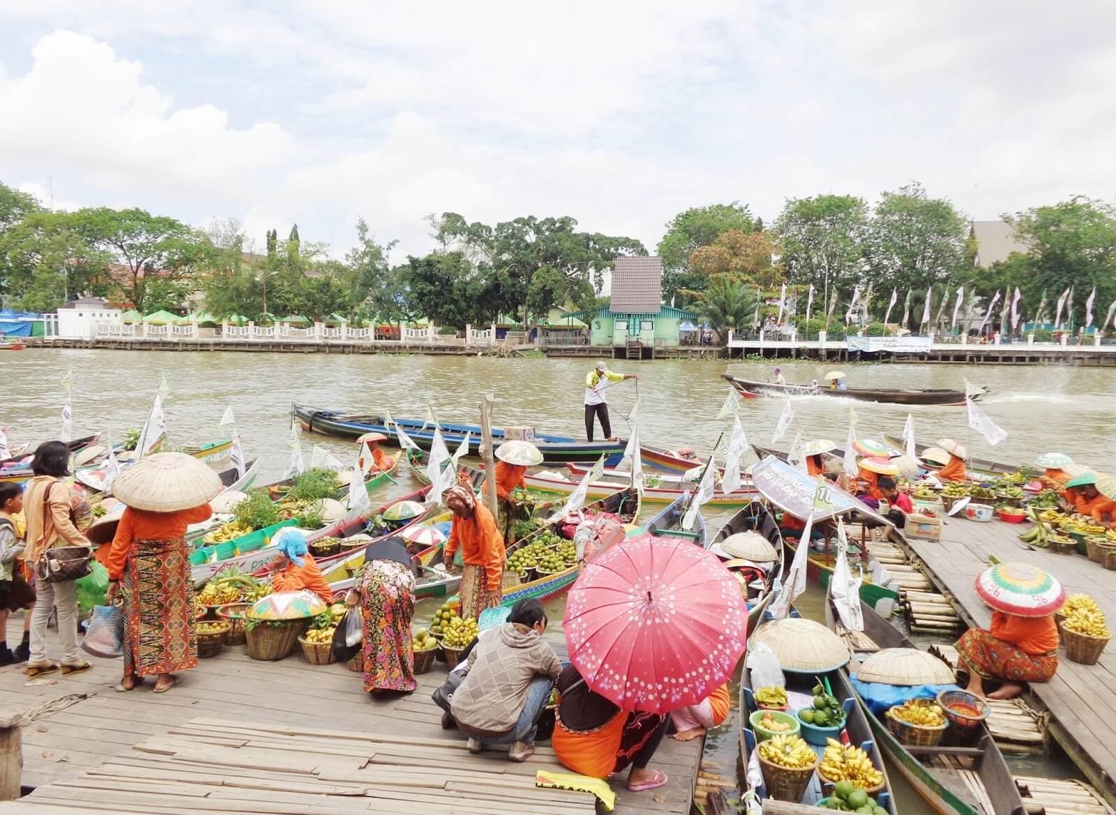 Pasar Terapung Siring Sungai Martapura Banjarmasin Cv Nabil Group Taman
