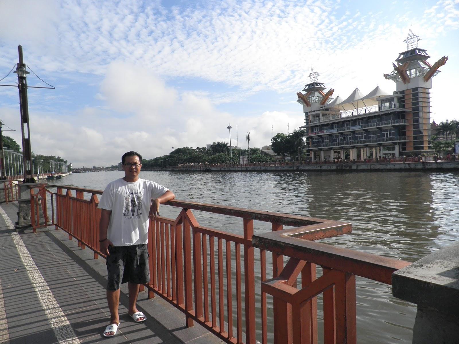 Wiyak Bumi Langit Banjarmasin Wisata Sungai Melengkapi Menara Pandang Taman