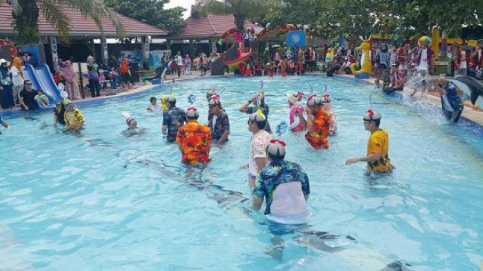 700 Peserta Ramaikan Milad Bsm Water Boom Pesona Modern Waterboom