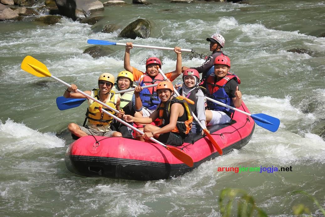 Arung Jeram Jogja Paket Rafting Yogyakarta Sungai Serayu Arum Kab