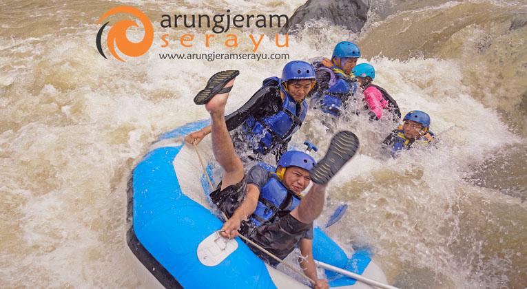 Arung Jeram Serayu Feel Colourfull Adventures Rafting Dieng Arum Sungai