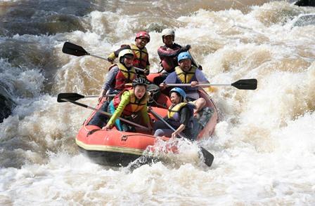 Keunikan Rafting Sungai Serayu Banjarnegara Jawa Tengah Arung Jeram Arum