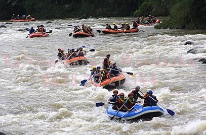 Pesona Destinasi Objek Wisata Arum Jeram Serayu Wonosobo Jawa Tengah
