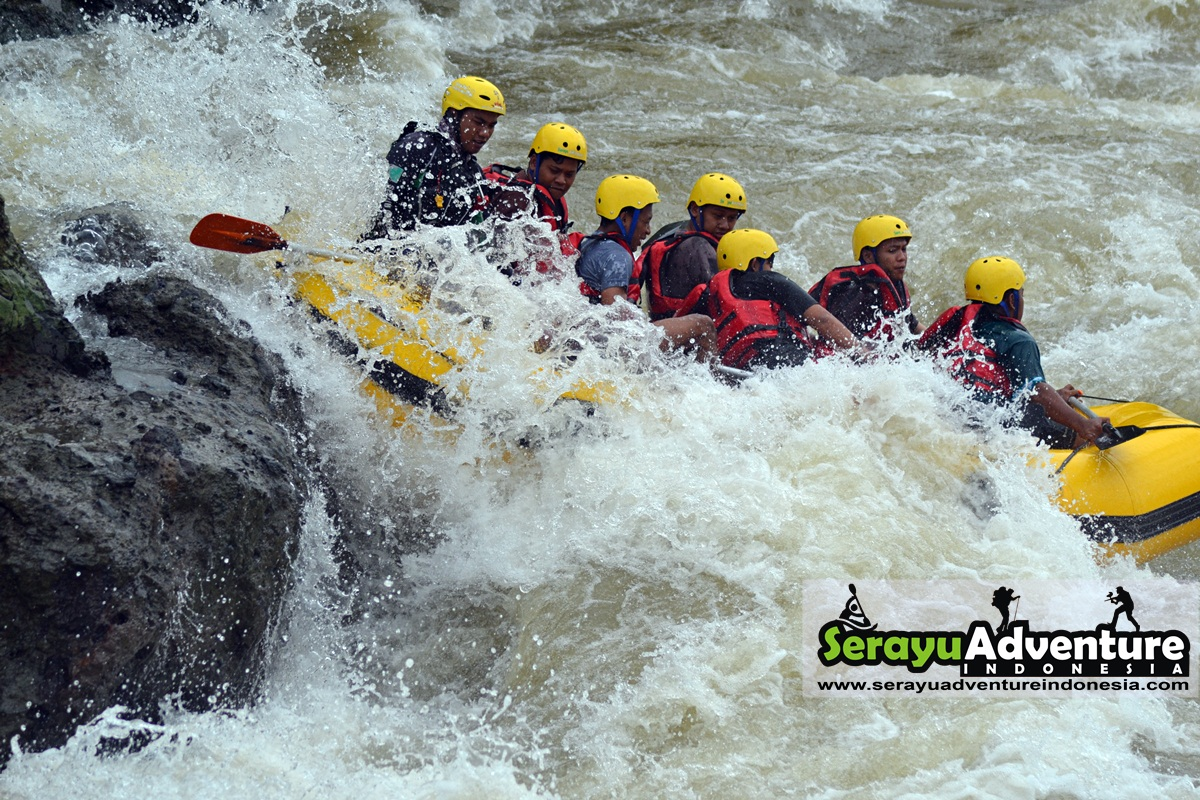 Rafting Banjarnegara Serayu Adventure Indonesia Arum Jeram Sungai Kab