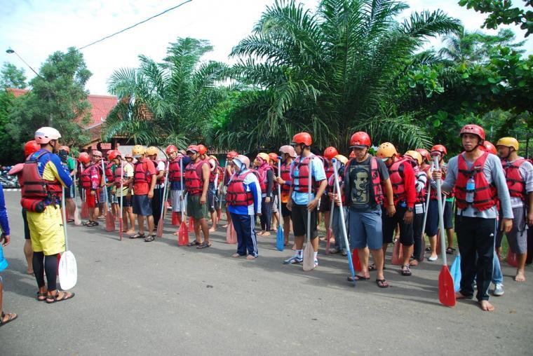 Serunya Menantang Jeram Sungai Serayu Banjarnegara Oleh Amin Arum Kab