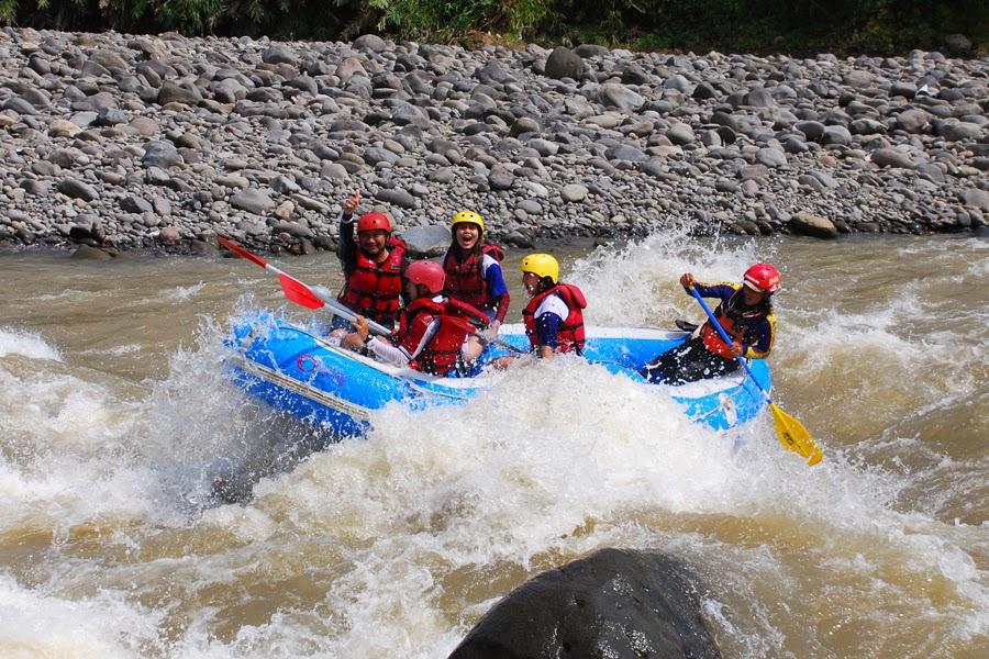 Wisata Alam Rafting Serayu Gatotkoco Arung Jeram Sungai Arum Kab