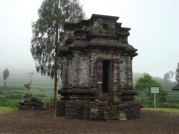 218 Obyek Wisata Candi Dwarawati Kab Banjarnegara Alam Gatotkaca Bima