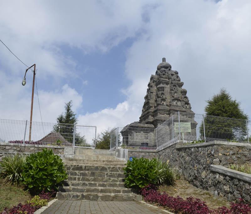 Candi Bima Bangunan Unik Jawa Tengah Dieng Kab Banjarnegara