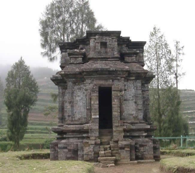 Candi Dwarawati Pesona Wisata Kabupaten Banjarnegara Bima Dieng Kab