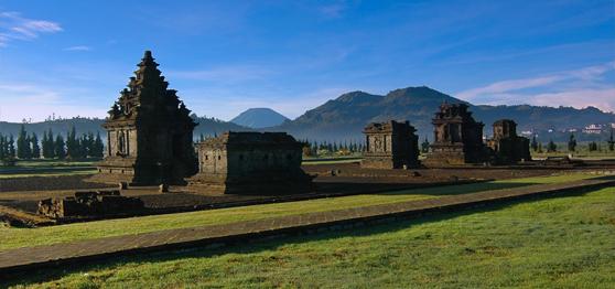 Keindahan Candi Arjuna Dieng Paket Wisata Tour Travel Hasil Gambar