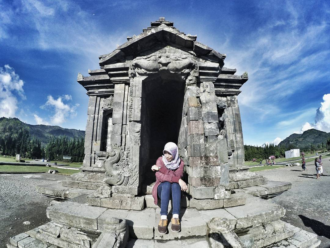 Komplek Candi Arjuna Arum Lutfi Bima Dieng Kab Banjarnegara