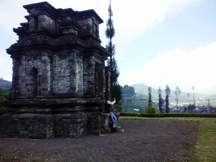 Candi Dwarawati Dieng Memisah Kab Banjarnegara