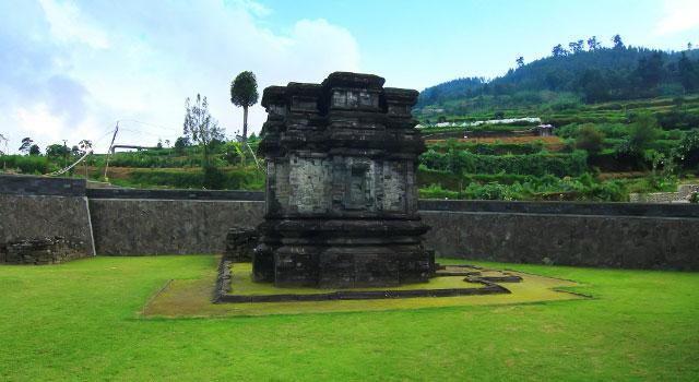 Candi Gatotkaca Dwarawati Dieng Kab Banjarnegara