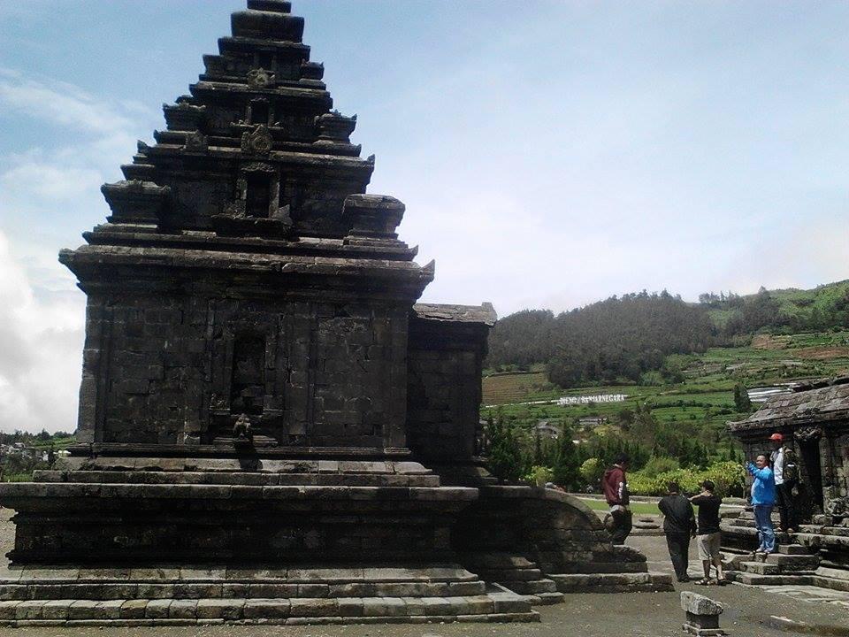 Lima Candi Peninggalan Hindu Penjaga Dataran Tinggi Dieng Rakyat Wisatawan