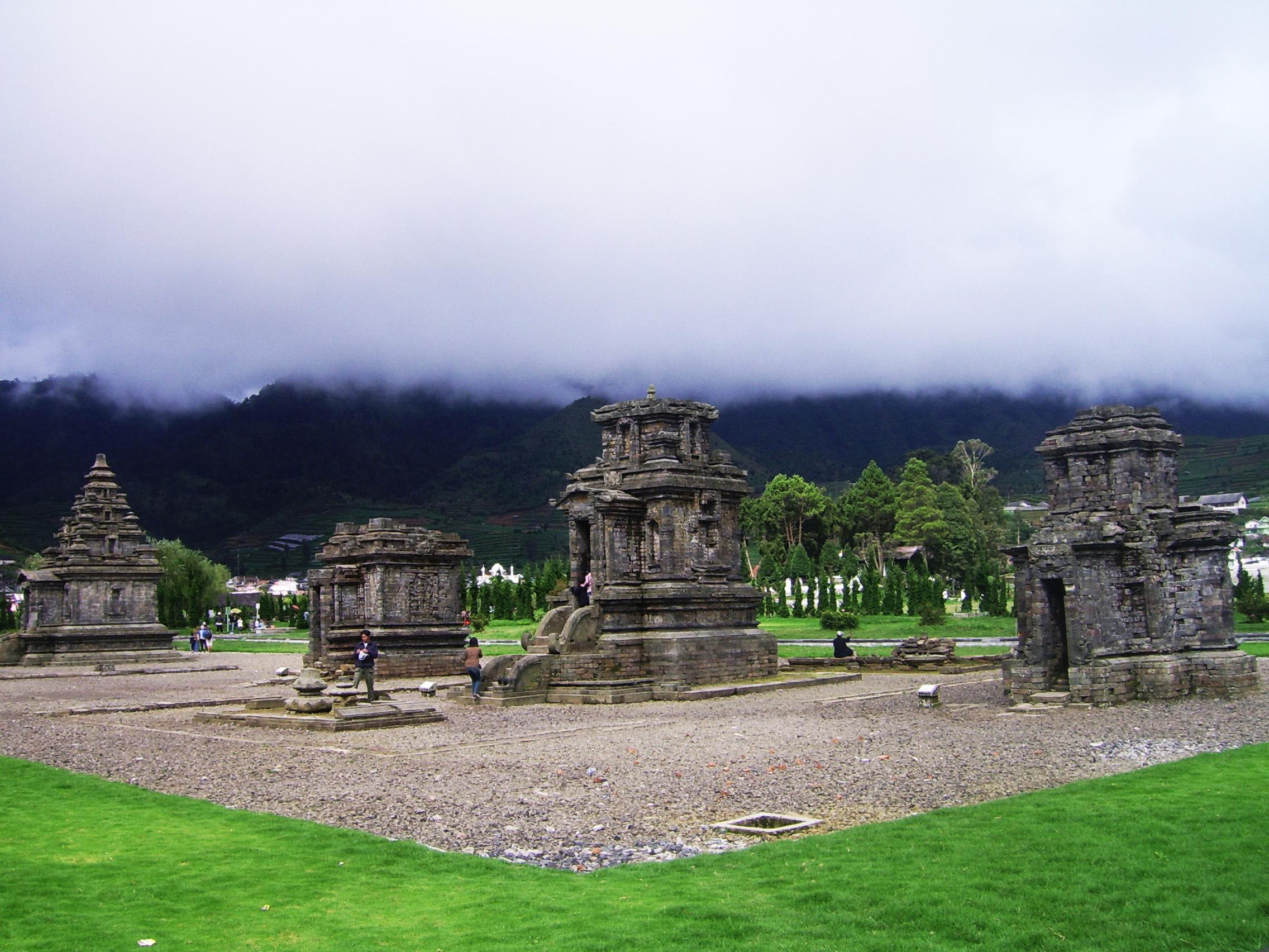 Paket Wisata Dieng Jasatama Travel Kawasan Dataran Tinggi Jawa Tengah