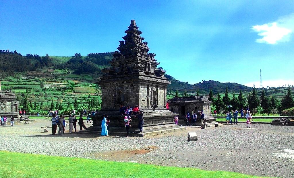 Wisata Candi Dieng Wonosobo Temukan Keajaibannya Tribun Jawa Tengah Dwarawati