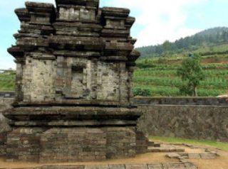 Wisata Candi Gatotkaca Dieng Kulon Batur Kabupaten Banjarnegara Jawa Tengah