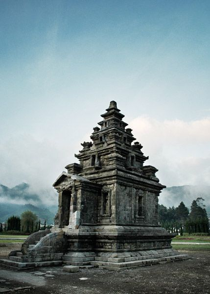 Candi Arjuna Sebuah Kompleks Hindu Peninggalan Abad 7 8 Gatotkaca
