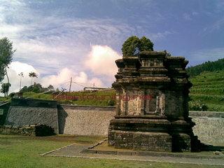 Candi Gathotkaca Dieng Teamtouring Bangunan Gatotkaca Kab Banjarnegara