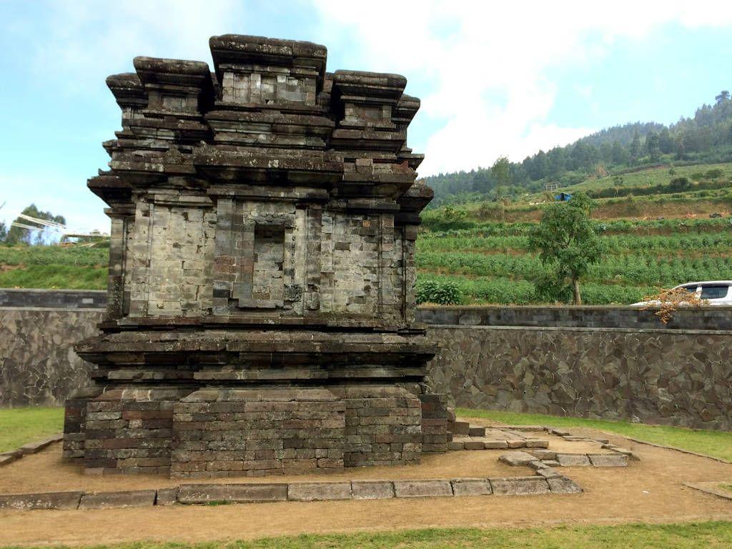 Candi Gatotkaca Wisatajateng Kabupaten Banjarnegara Dieng Kab