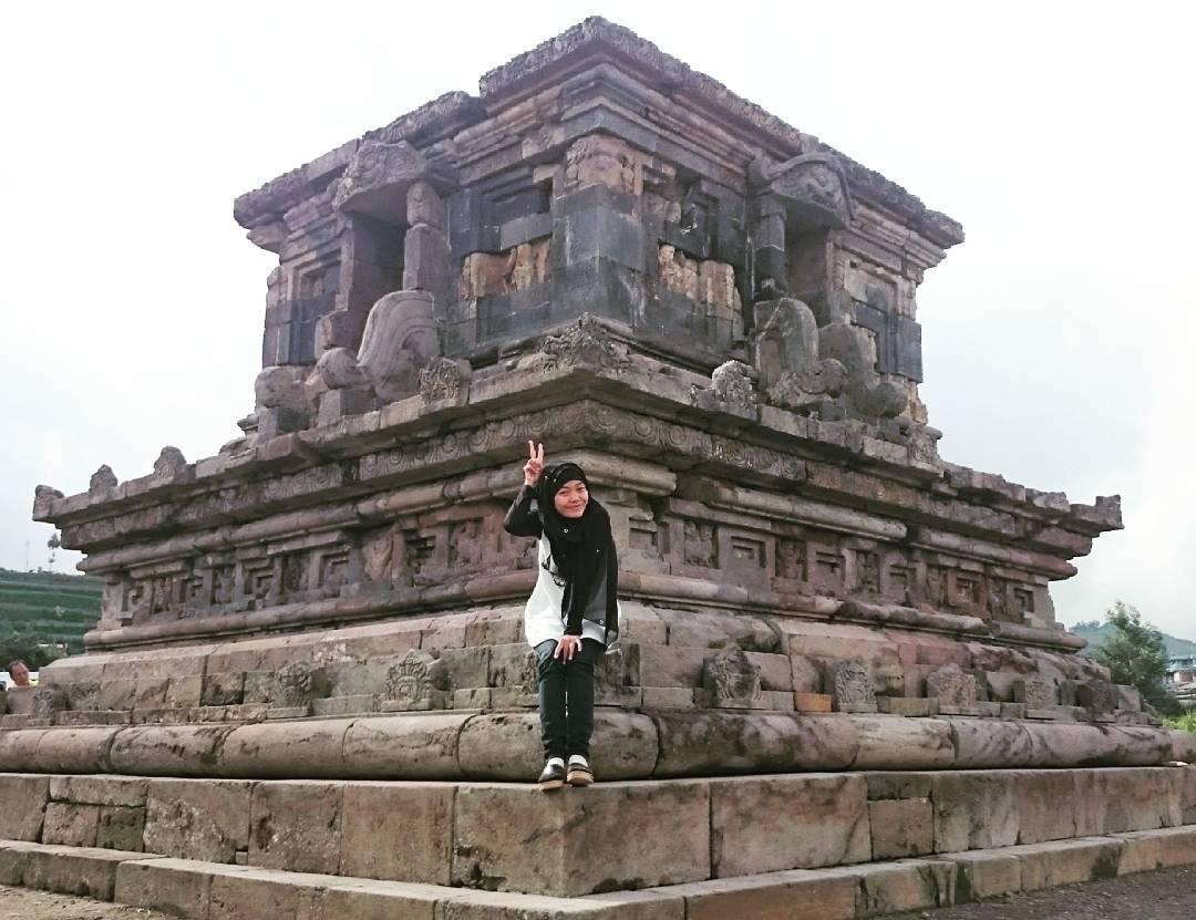 Candi Setyaki Lifi Maulidy Ahmad Gatotkaca Dieng Kab Banjarnegara