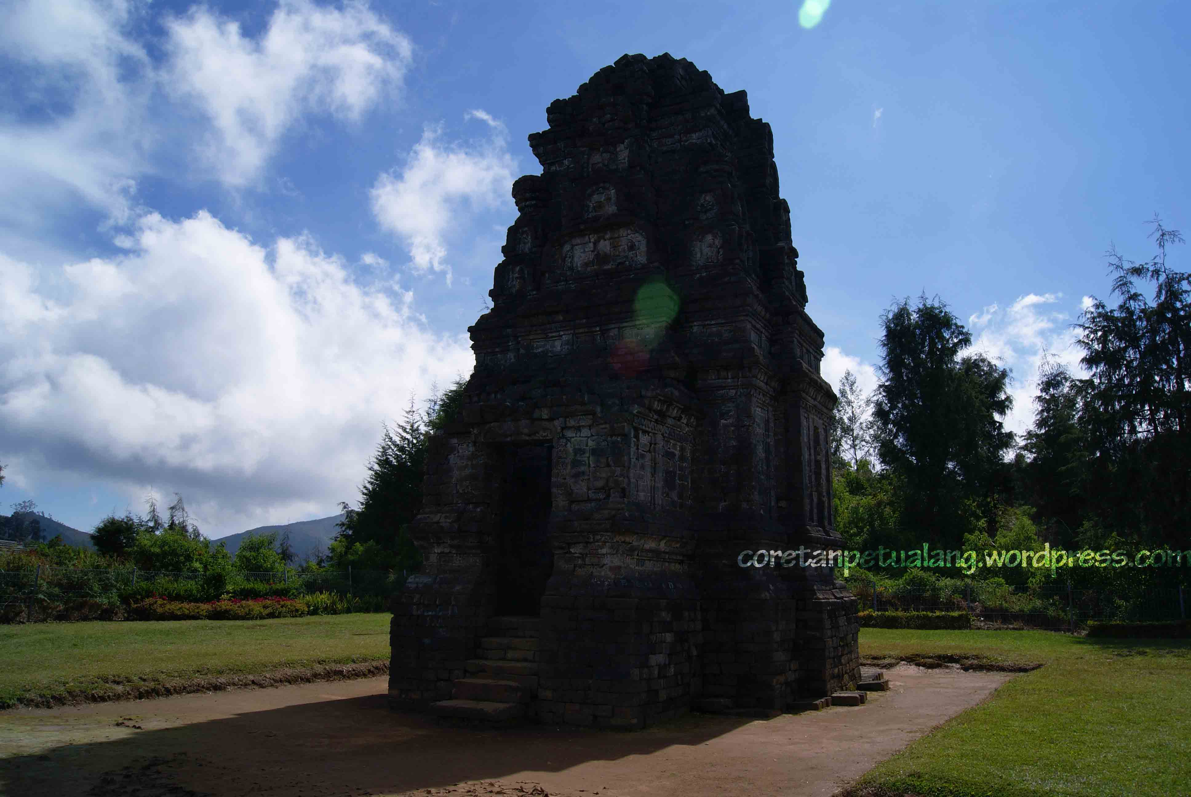 Dieng Plateau Love Season 2 Budaya Candi Dataran Bima Gatotkaca