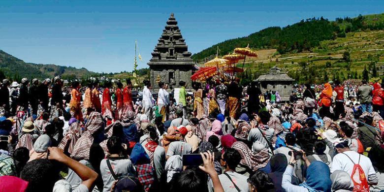 Harmoni Negeri Dewa Kompas Candi Gatotkaca Dieng Kab Banjarnegara