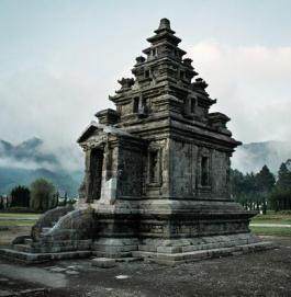 Kompleks Candi Dataran Tinggi Dieng Banjarnegara Galeri Wisata Kelompok Arjuna