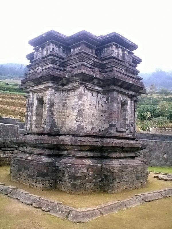 Pesona Keindahan Sejarah Candi Gatotkaca Banjarnegara Lihat Id Cocok Belajar