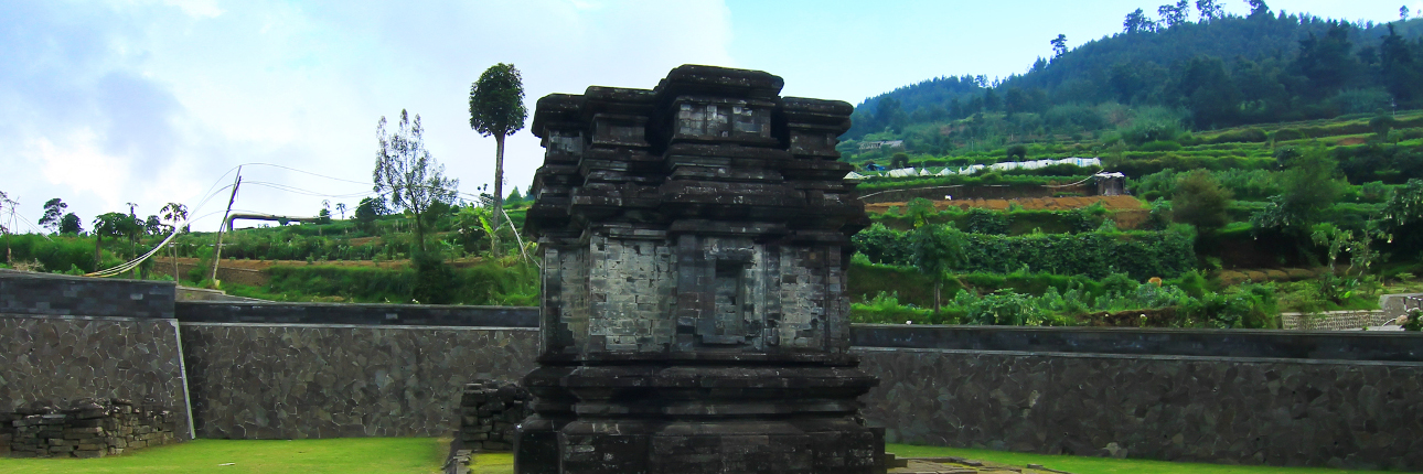 Tersisa Kompleks Candi Gatotkaca Indonesiakaya Dieng Kab Banjarnegara
