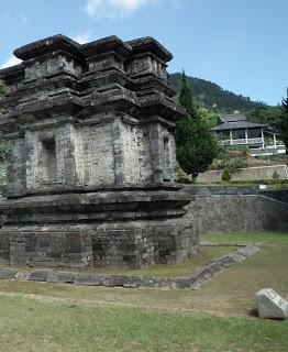 Wisata Candi Gatotkaca Dieng Tempat Wonosobo Kab Banjarnegara