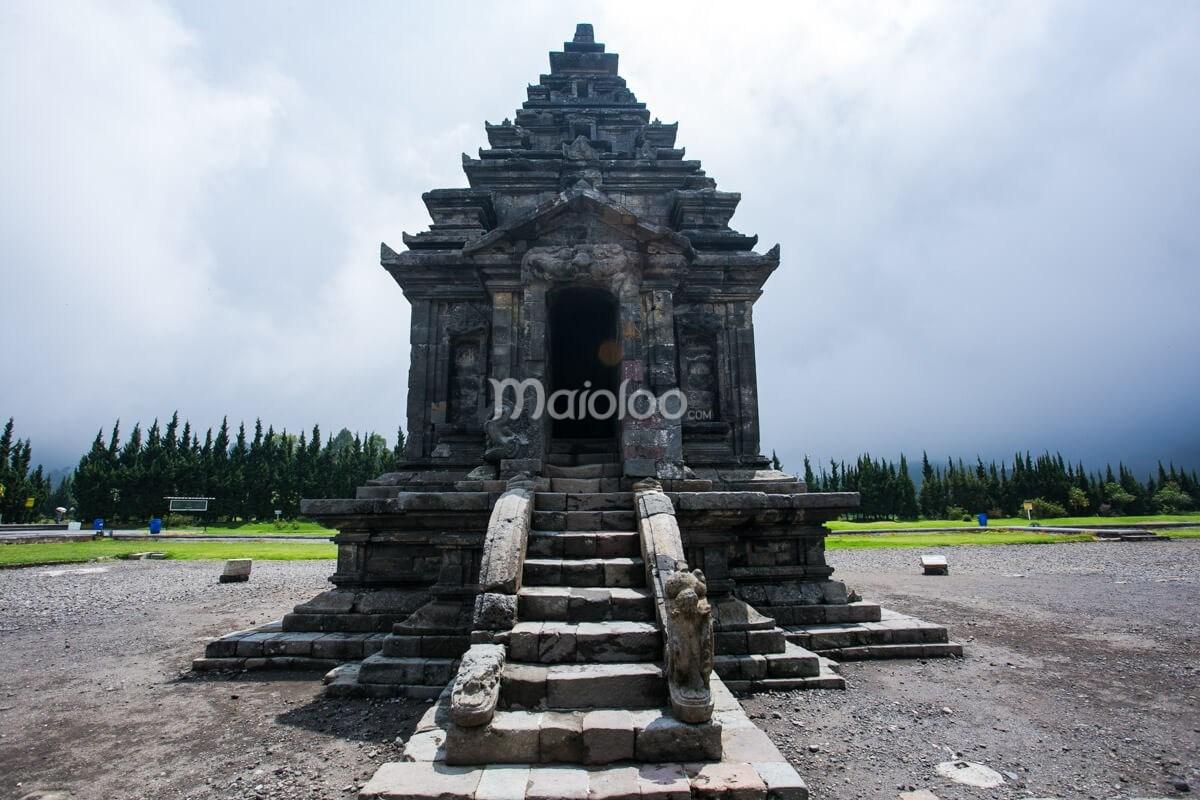 Candi Arjuna Pesona Mahakarya Mataram Kuno Dieng Uatama Komplek Reza