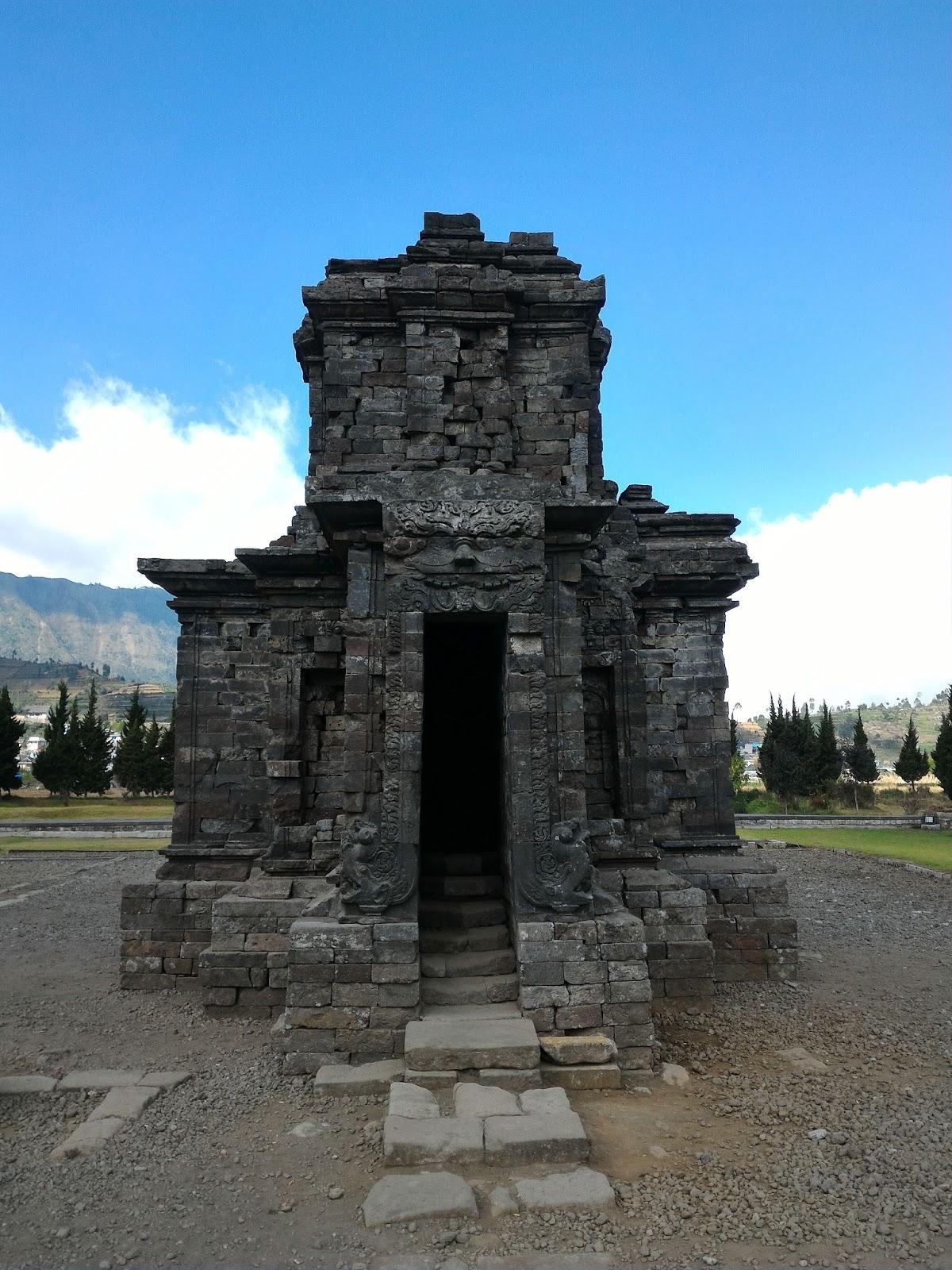 Candi Sembrada Dataran Tinggi Dieng Komplek Percandian Arjuna Kab Banjarnegara