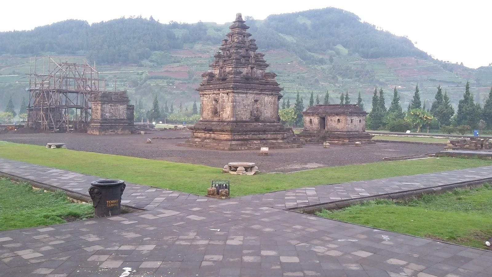 Kawaasan Candi Arjuna Dieng Noto Budiyanto Komplek Hindu Berada Pusat