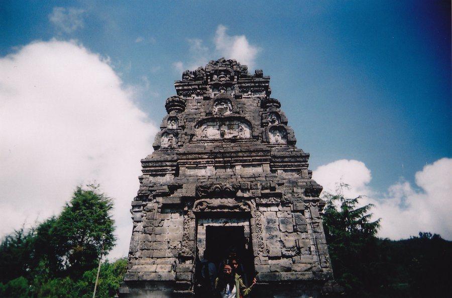 Sembilan Candi Peninggalan Kerajaan Mataram Kuno Tenda Sejarah Bima Terletak
