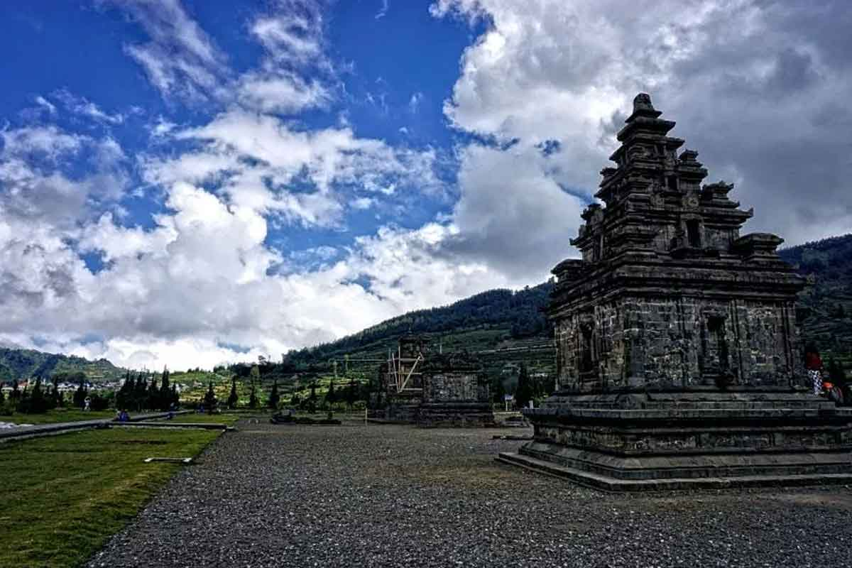 Wisata Candi Arjuna Dieng Sikidang Tour Guide Komplek Percandian Kab