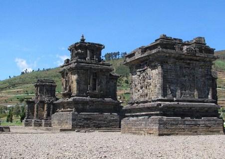 27 Daftar Destinasi Wisata Terindah Banjarnegara Jawa Tengah Komplek Percandian