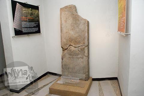 Maw Mblusuk Museum Dieng Kailasa Foto Koleksi Prasati Banjarnegara 2008