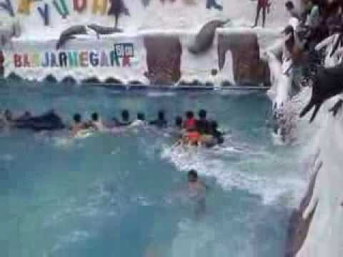 Kolam Ombak Tsunami Surya Yudha Park Banjarnegara Youtube Kab