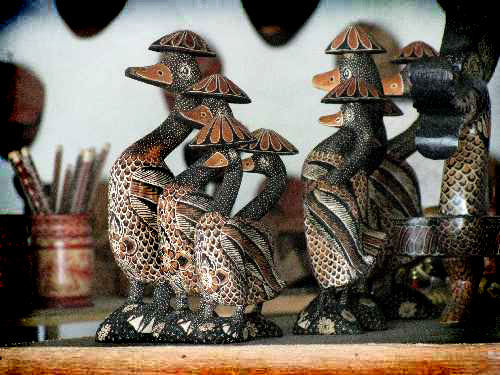 Berburu Souvenir Kerajinan Batik Kayu Desa Wisata Krebet Rental Kab
